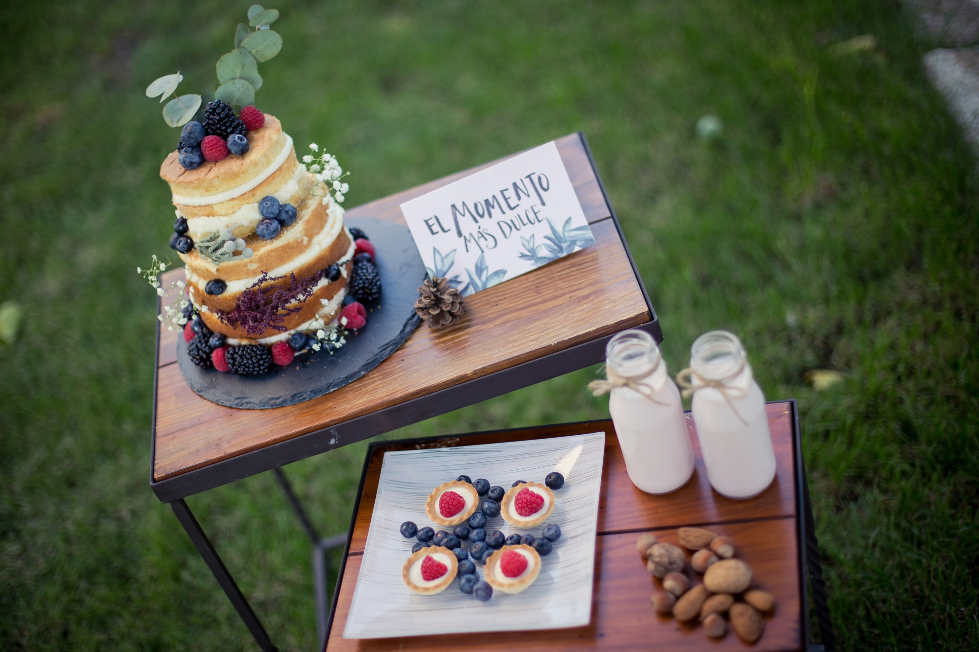 Candy Bar para dos con nacked cake. Wedding Planner en Alicante y Murcia.